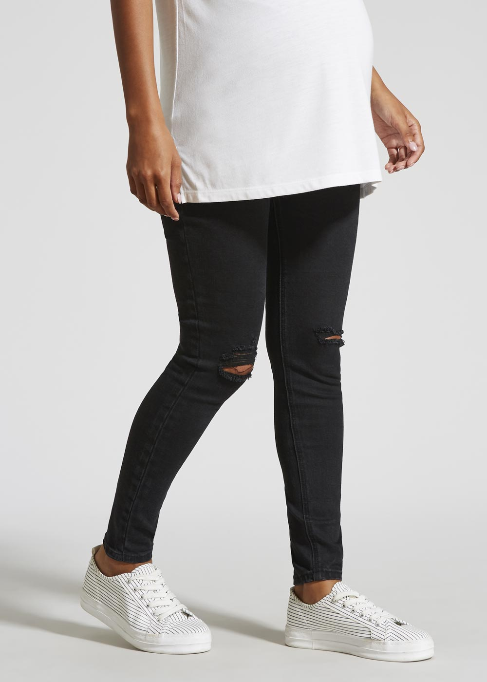 92f96f6004570 This review is from Maternity Over Bump Distressed Skinny Jeans.